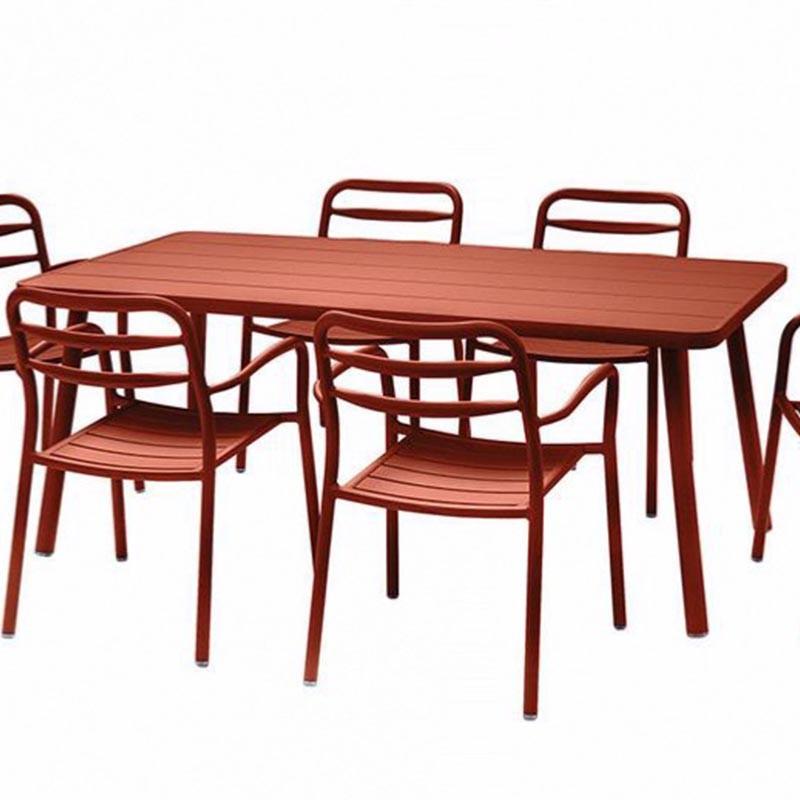 Table de jardin rouge - BASEL - lemobilierdejardin.fr