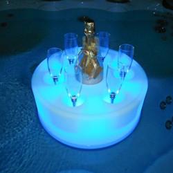 Bar lumineux flottant pour piscine - lemobilierdejardin.fr